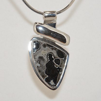 pendant jewelry with agate